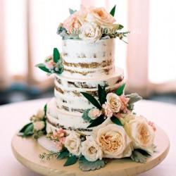 Цветочное оформление торта (3 яруса)